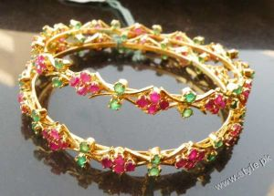 Latest-Fashion-of-Bangles-For-Women-in-Pakistan